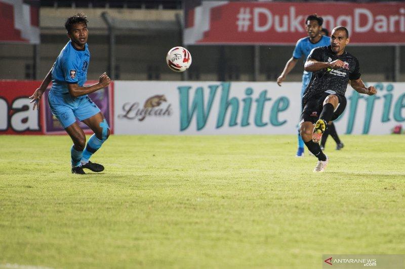 Persela menahan imbang Madura United 1-1