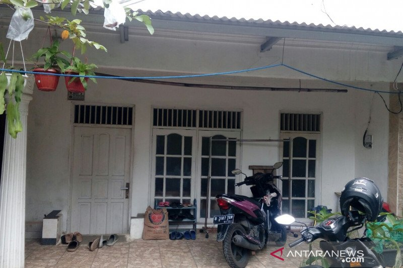 Rumah keluarga terduga teroris penyerang  Mabes Polri sepi