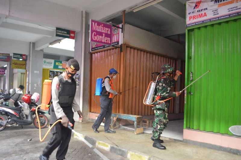 Pasar Rejowinangun Magelang kembali disemprot disinfektan