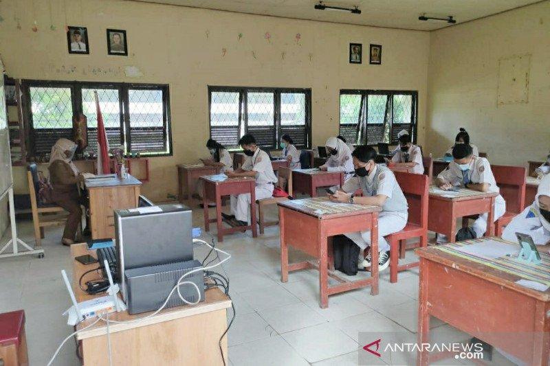 Sejumlah SMA sederajat di Barsel ujian sekolah tatap muka