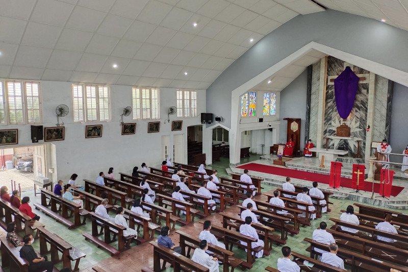 Uskup Tanjung Karang sebut ibadah Jumat Agung dilakukan sesuai prokes