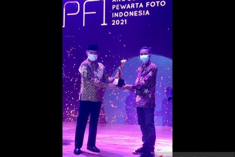 Anggota PFI Palu raih penghargaan photo of the year di APFI 2021