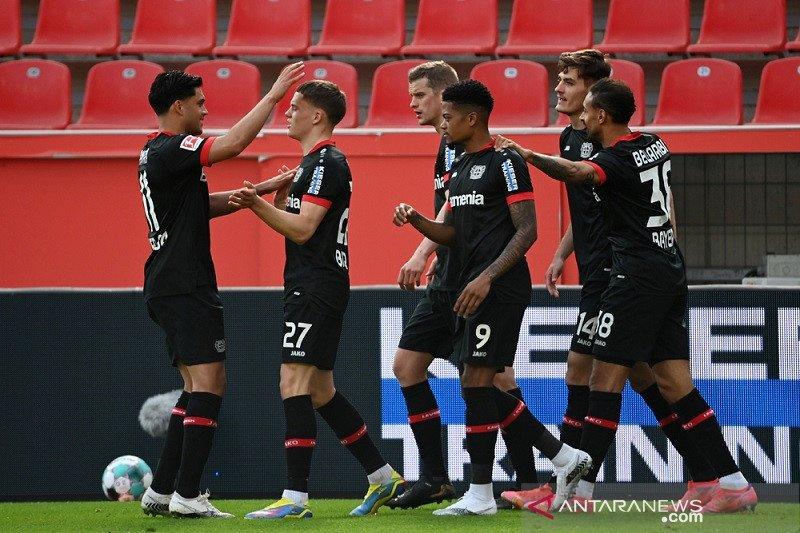 Bayer Leverkusen menang atas Schalke 2-1