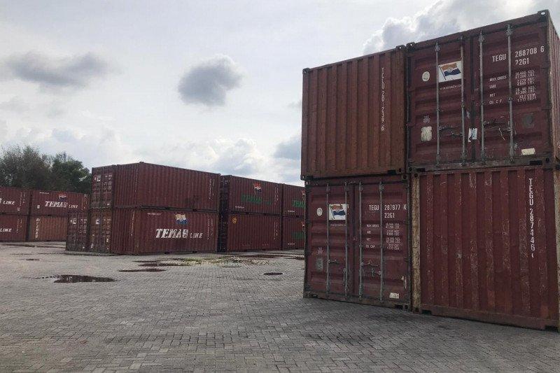 Pelindo Dumai ekspor prrdana dengan Peti Kemas