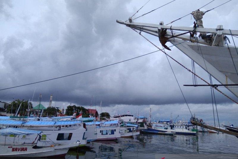 Sempat hilang kontak, 298 penumpang KMP Bontoharu selamat