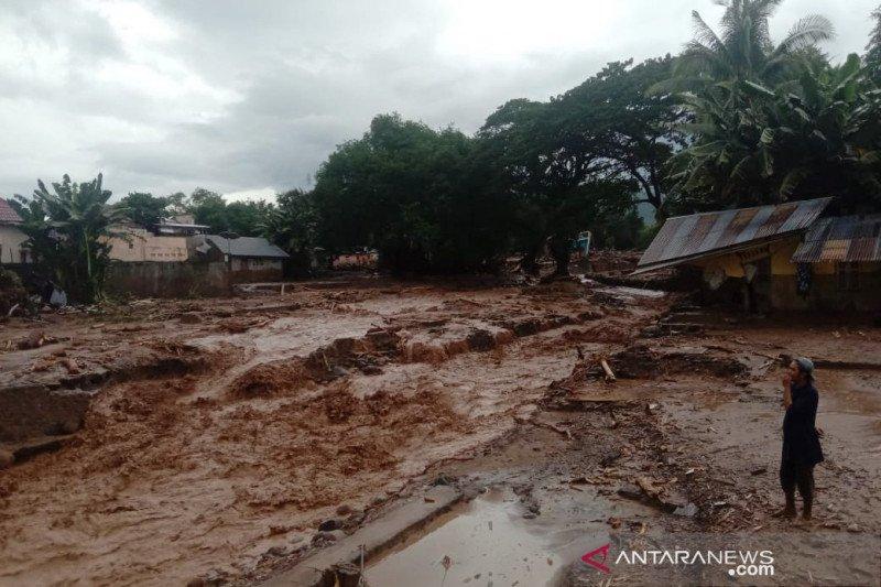 62 korban meninggal akibat banjir bandang di Flores Timur