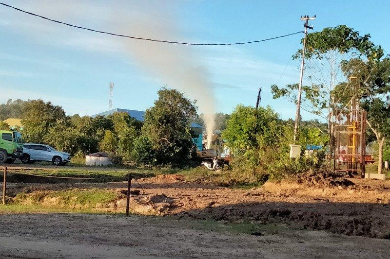 Sumur milik Pertamina di Tarakan mengeluarkan semburan lumpur dan bau