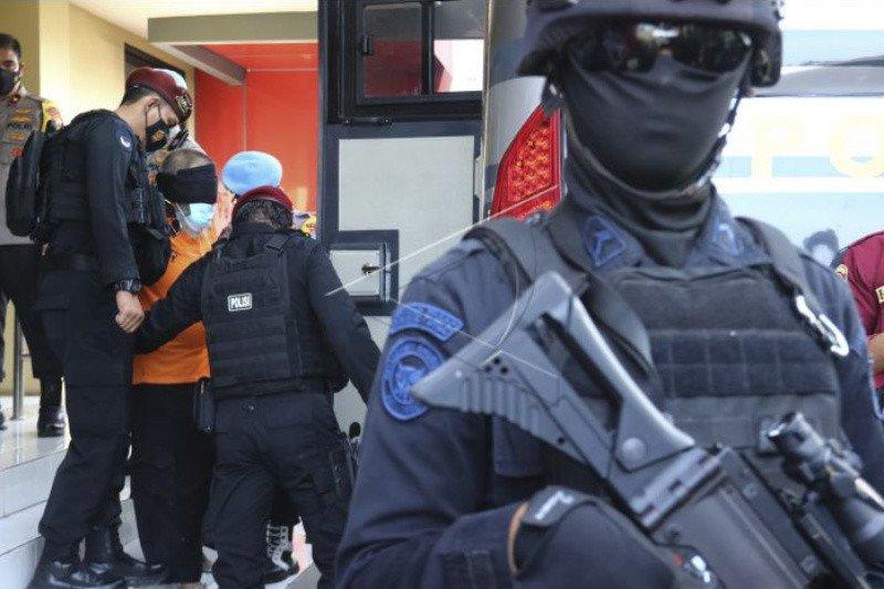 Densus 88 geledah rumah di Pandak Bantul usai penangkapan terduga teroris