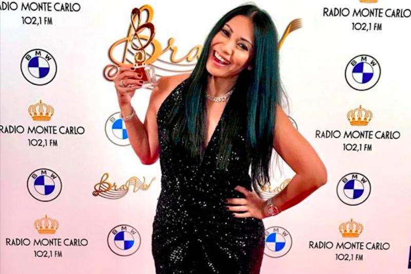 Anggun terima  penghargaan musik Rusia