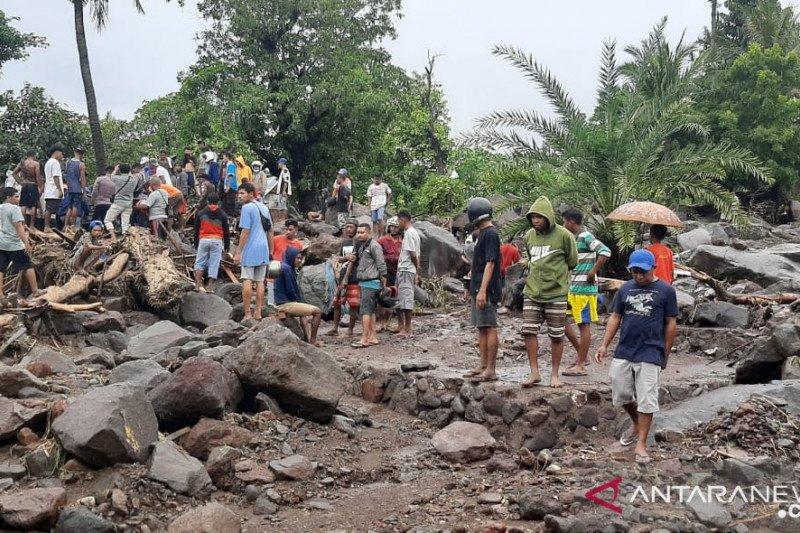 Banjir bandang NTT, enam warga Lembata ditemukan meninggal, banyak belum ditemukan
