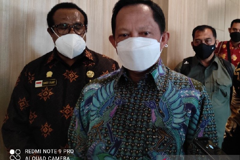 Gubernur Papua kunjungan ke luar negeri tanpa izin, Mendagri beri teguran keras