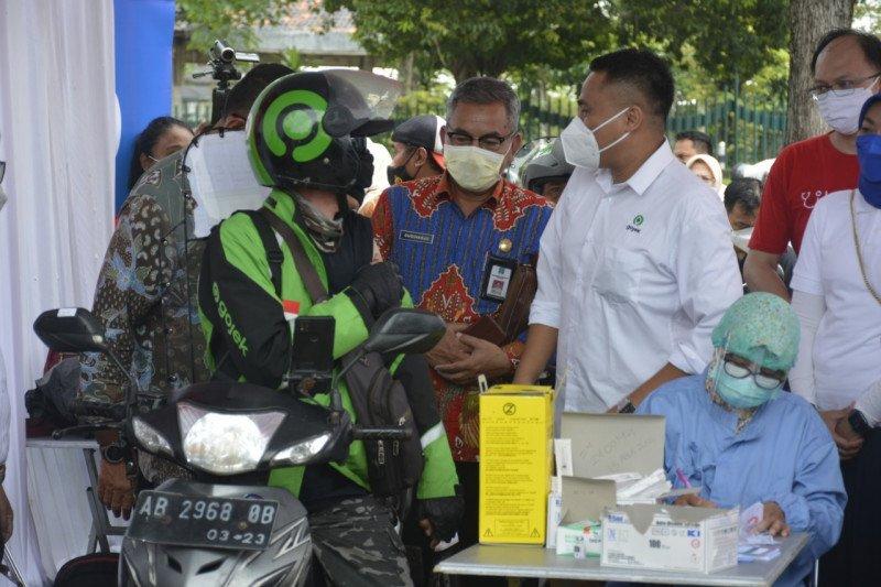 "Pos pelayanan vaksinasi COVID-19 massal ""drive thru"" hadir di Candi Prambanan"