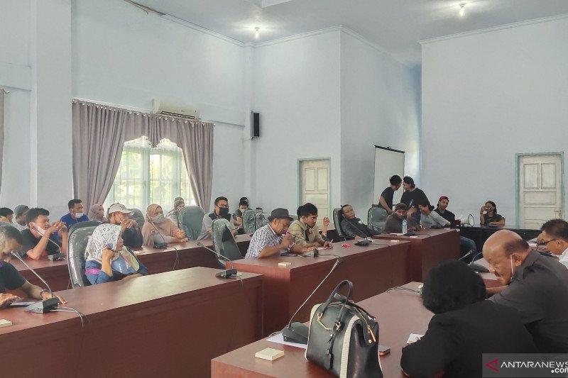 DPRD Banggai  minta ditangguhkan kenaikan retribusi Pasar Simpong