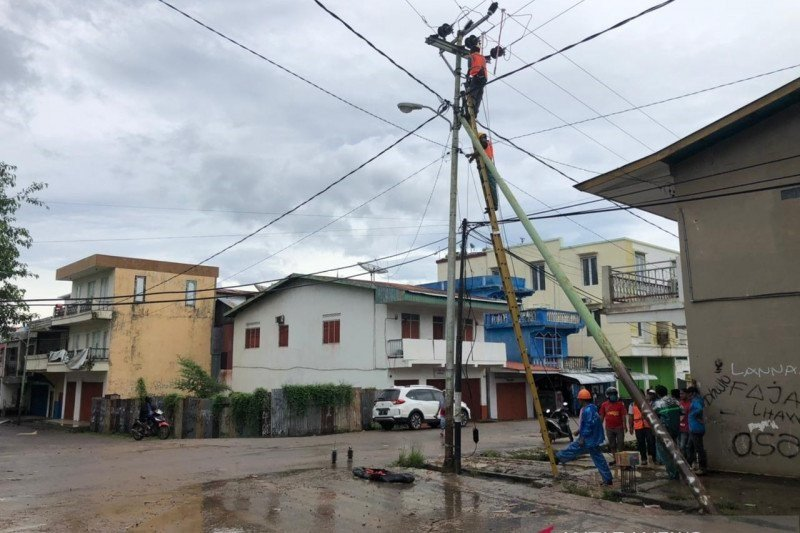 BMKG sebut Siklon Tropis Seroja semakin menjauhi wilayah Indonesia