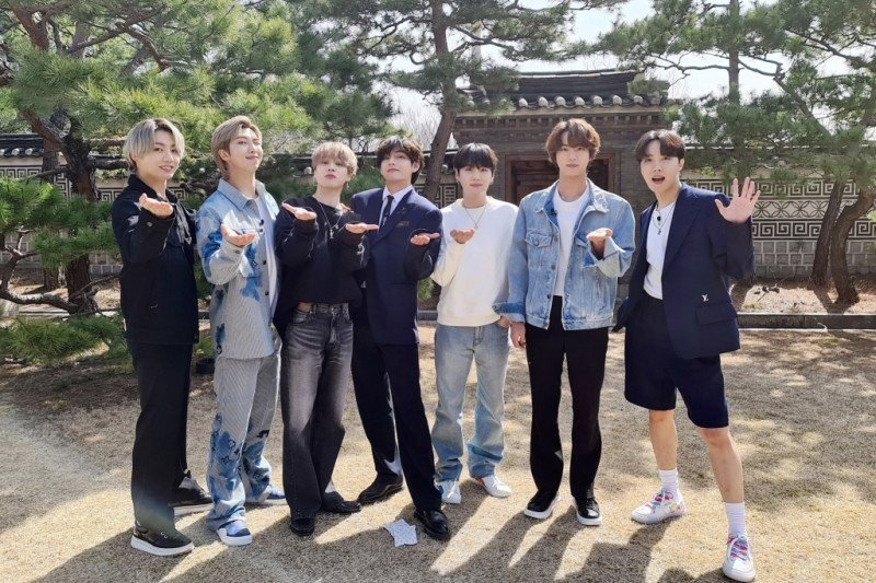 "BTS cetak rekor 1 miliar penonton lewat ""Dynamite"""