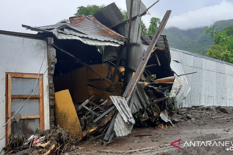 Korban meninggal akibat bencana di NTT sudah capai 94 orang