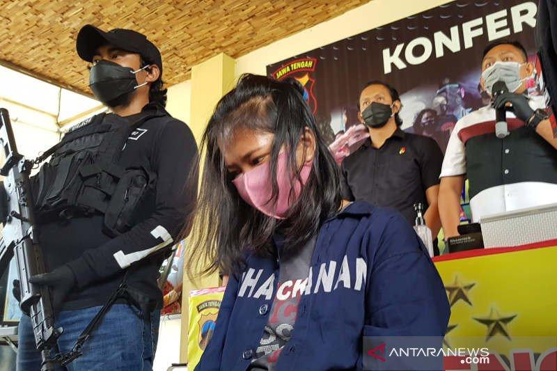 Wanita pencuri dengan modus bius korban pakai obat tetes mata di Semarang ditangkap