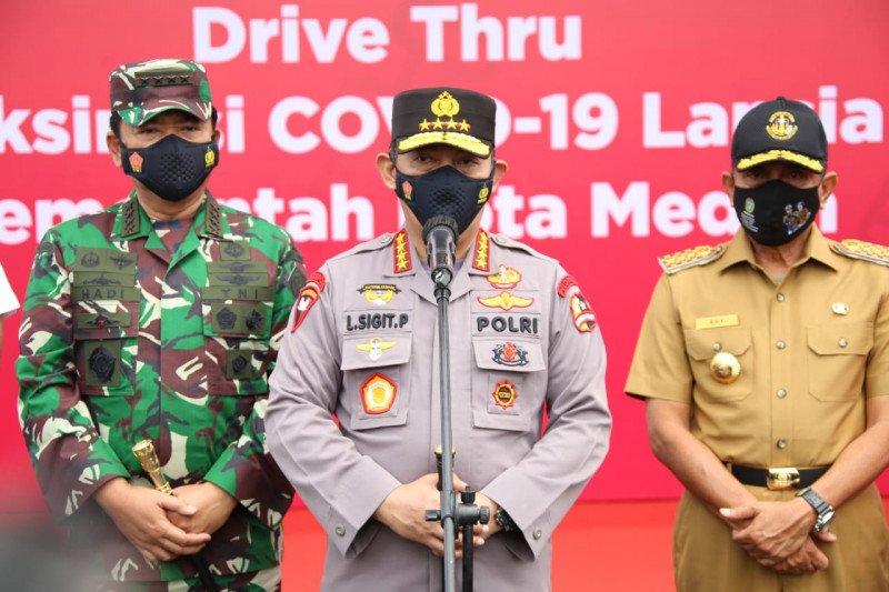 Kapolri dan Panglima TNI  tinjau vaksinasi di Natuna