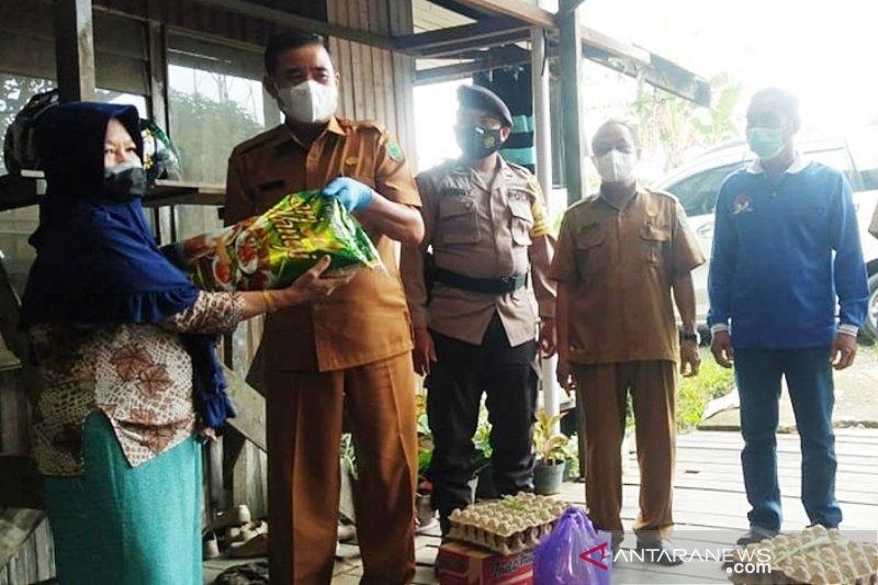 Desa Anjir Pulang Pisau isolasi mandiri warga terpapar COVID-19
