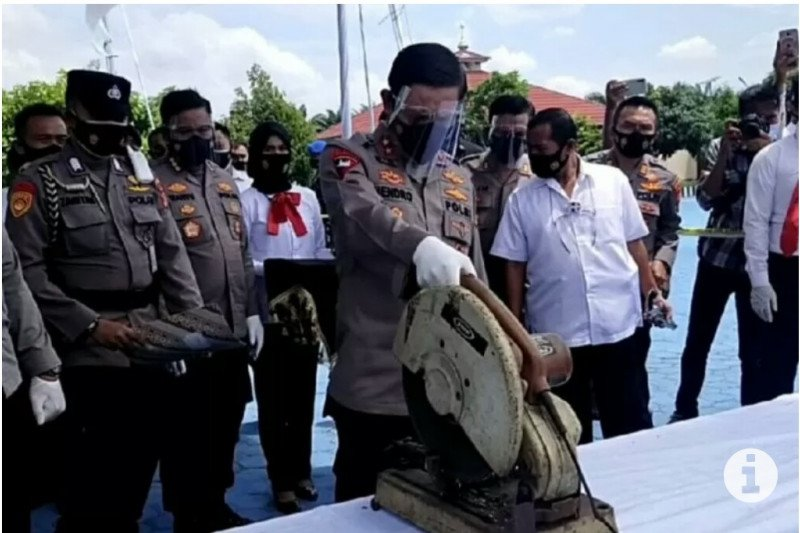 Berita pekan ini, Kapolda Lampung musnahkan ratusan pucuk senjata api rakitan