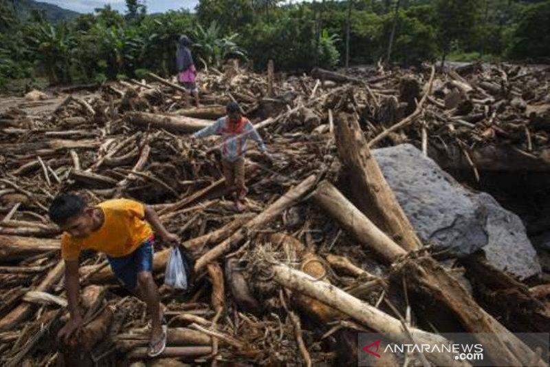 Kerusakan Lingkungan Picu Banjir Bandang