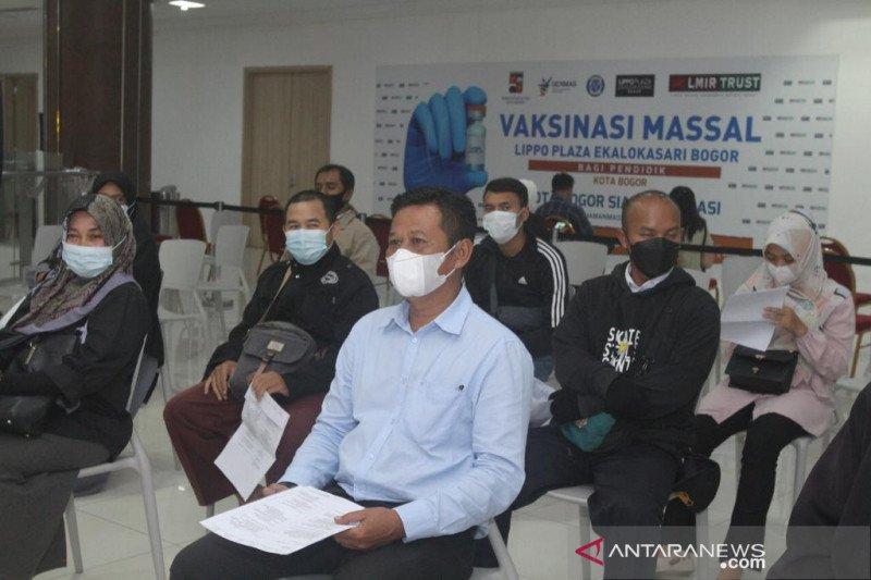 Vaksinasi intensif guru di Kota Bogor untuk persiapan PTM