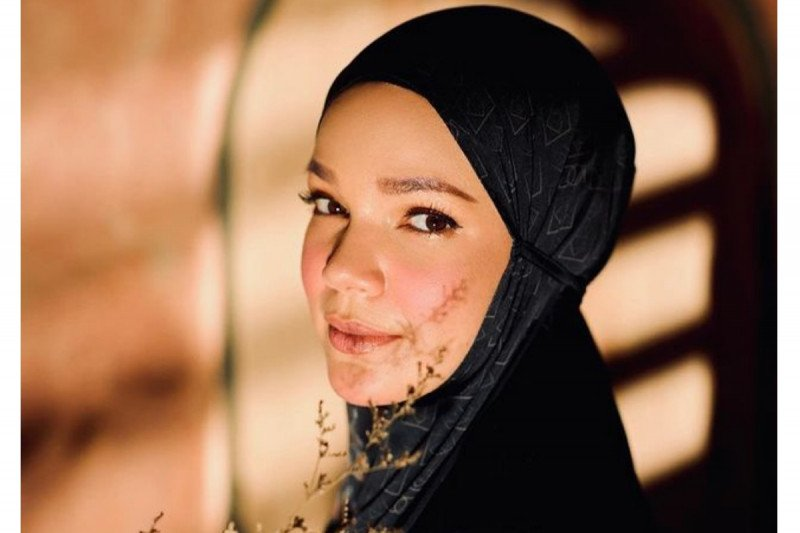 Dewi Sandra persiapkan diri  sambut Ramadhan sejak jauh-jauh hari