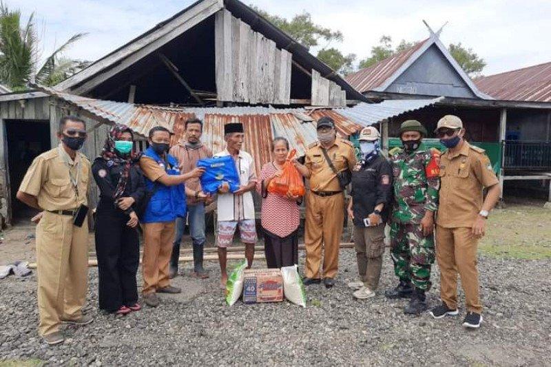 Pemkab Mamuju bantu korban angin kencang di Kecamatan Papalang