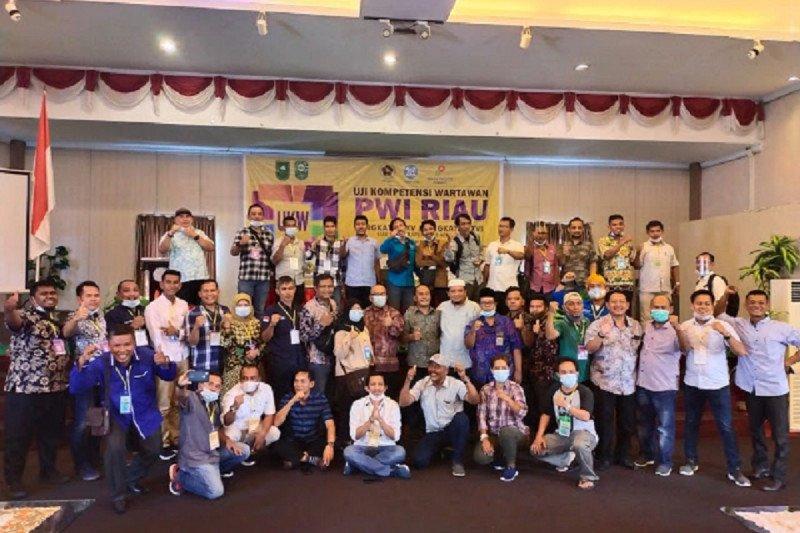 36 pewarta dinyatakan kompeten pada UKW PWI Riau