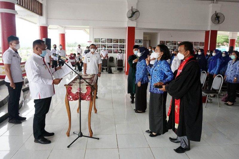 Bupati Lampung Selatan pimpin sumpah janji 56 CPNS