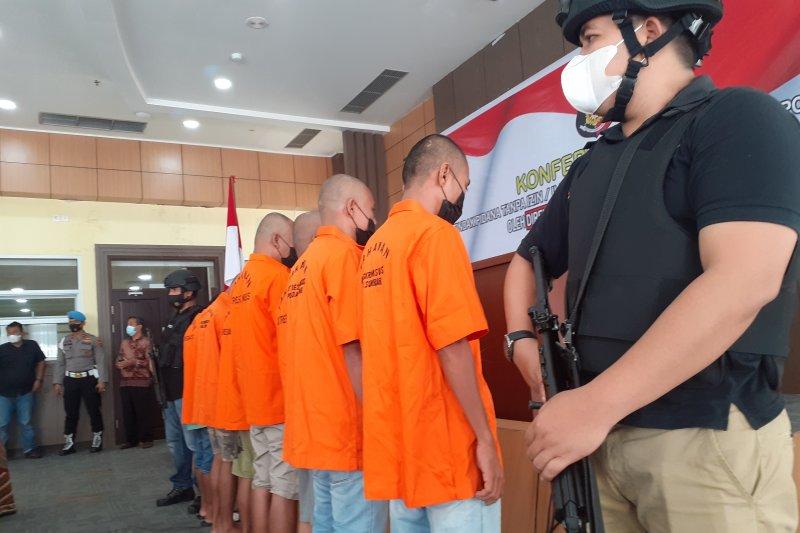 Ini dia, tujuh tersangka kasus tambang ilegal yang ditangkap Polda Sumbar