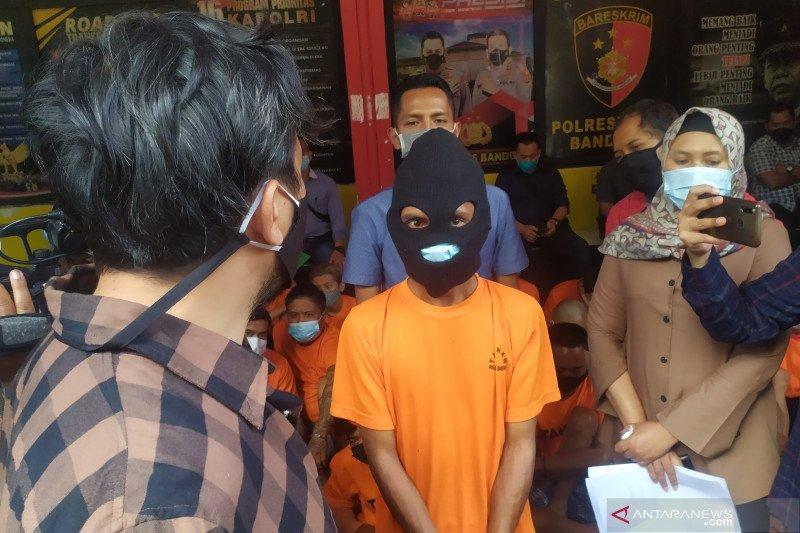 Bapak yang siksa balita anak kandungnya di Bandung diciduk polisi