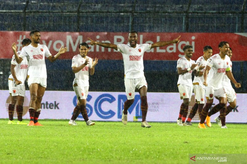 PSM ke semifinal setelah menang adu penalti 4-2 lawan PSIS Semarang