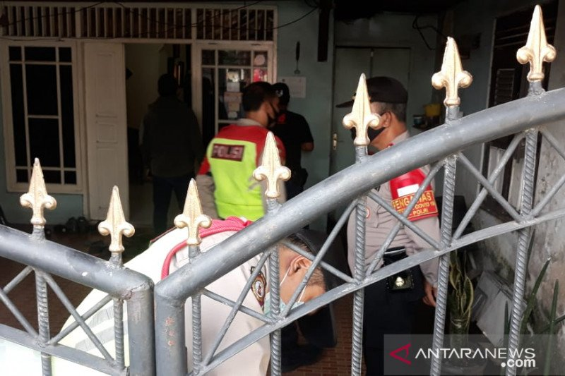 Densus 88 menangkap tersangka teror di Pasar Rebo, Jakarta Timur