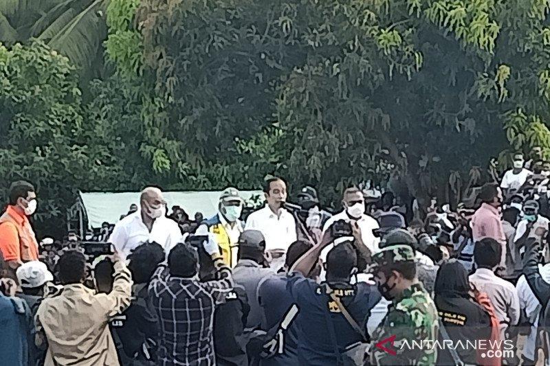 Jokowi singgah sekitar sejam di lokasi bencana Desa Nelelamadike NTT