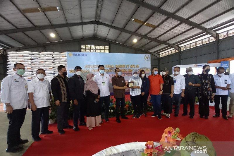 Komisi IV DPR RI tinjau Bulog Sulutgo pastikan stok beras aman