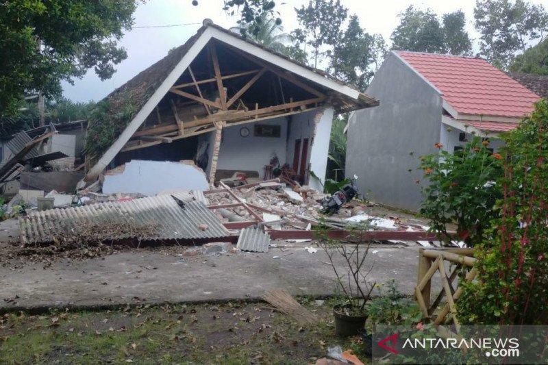 BMKG: Gempa magnitudo 5,5 kembali guncang Malang Minggu pagi