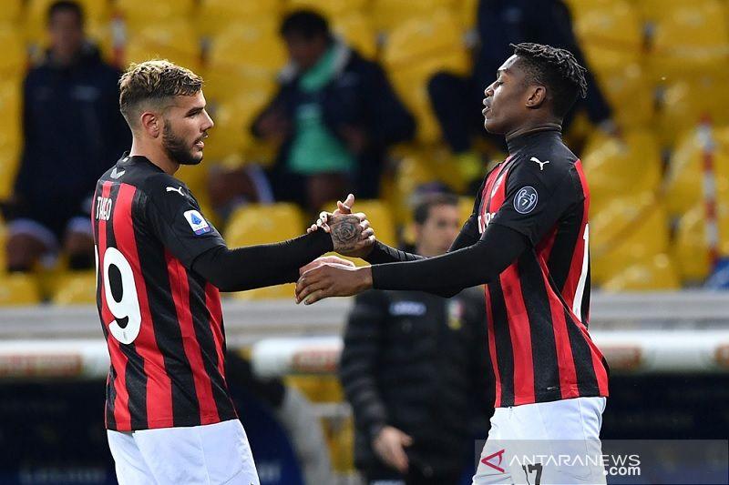 Dengan 10 pemain, Milan tundukkan Parma 3-1