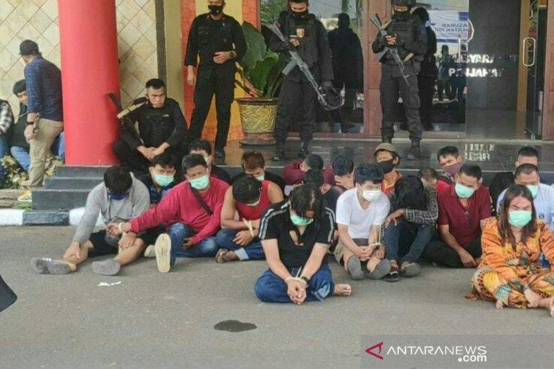 Tim gabungan kepolisian gerebek kampung narkoba Tangga Buntung Palembang