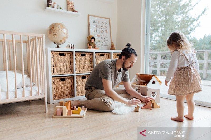 Psikolog UI ungkap pentingnya waktu luang ayah untuk anak meski WFH
