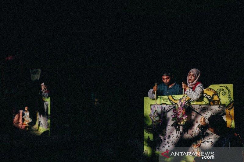 Belenggu pandemi tanda kelahiran Wayang Strip