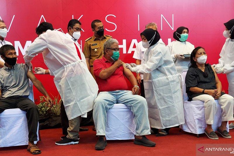 PT Semen Padang bantu pencapaian vaksin lewat vaksinasi pensiunan