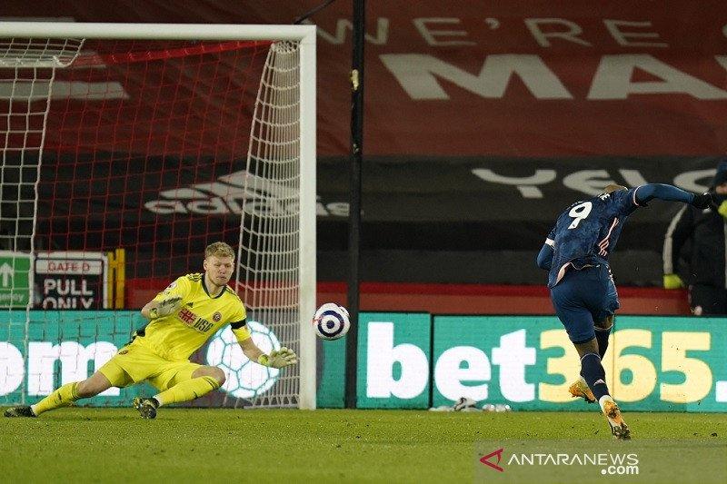 Lacazette bantu Arsenal gulung  Sheffield United 3-0