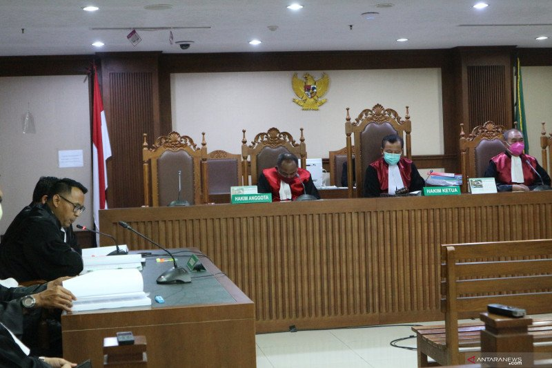 Lima mantan petinggi Waskita Karya dituntut  6 hingga 9 tahun penjara