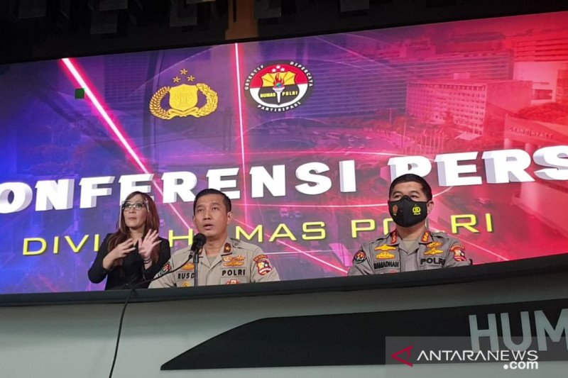 Densus 88 Polri menangkap enam terduga teroris di Makassar