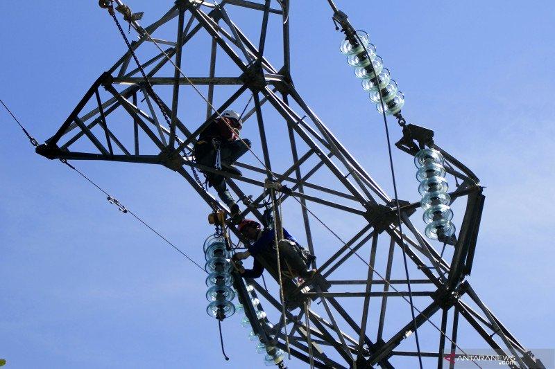 PLN bantu 30 genset untuk daerah yang belum dialiri listrik