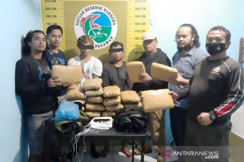 Warga Kuranji Padang ditangkap bawa 20 paket besar ganja di Pasaman