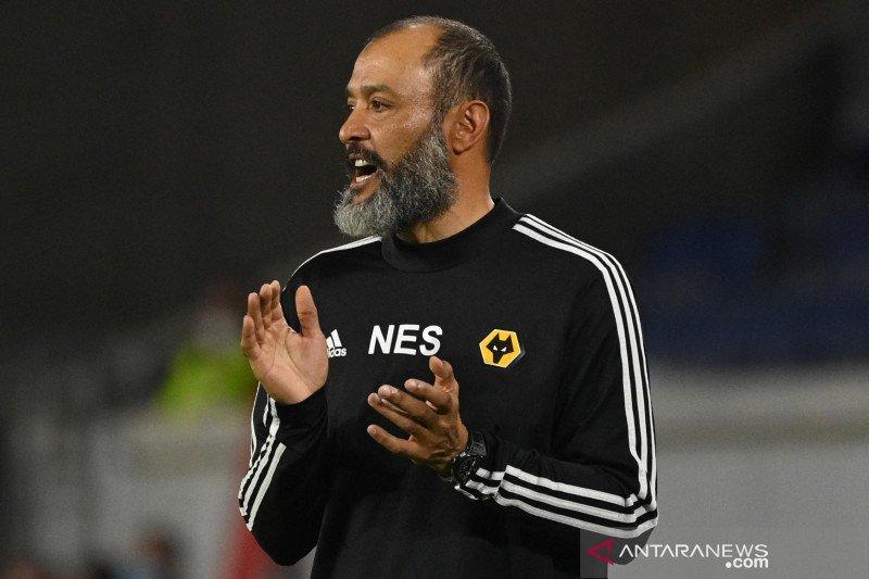 Tottenham mempertimbangkan pelatih Wolves untuk gantikan Jose Mourinho
