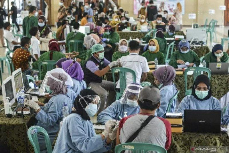 Apa hukumnya divaksin saat Ramadhan, apakah membatalkan puasa ?