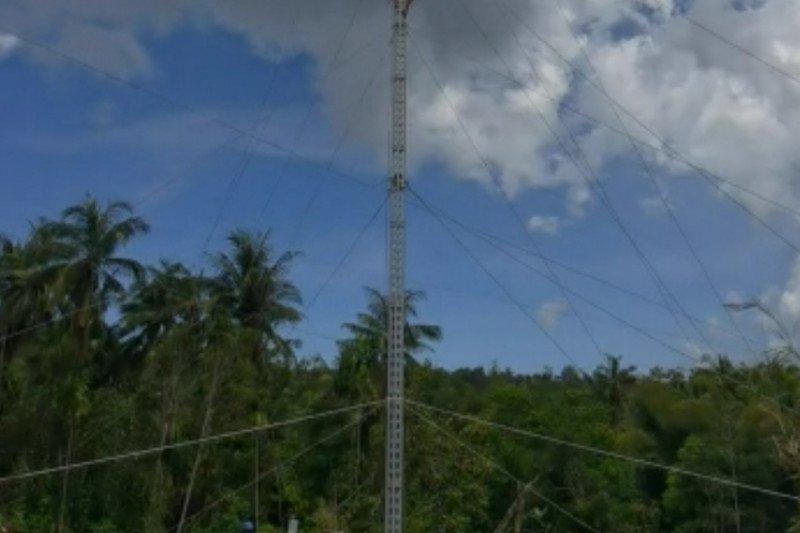 Kisah mereka yang bertaruh nyawa  pulihkan aliran listrik di NTT